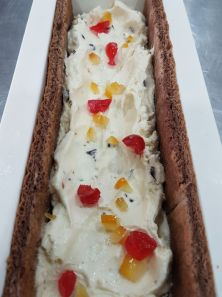 Chocolate brownie cake with Sicilian cassata gelato centre